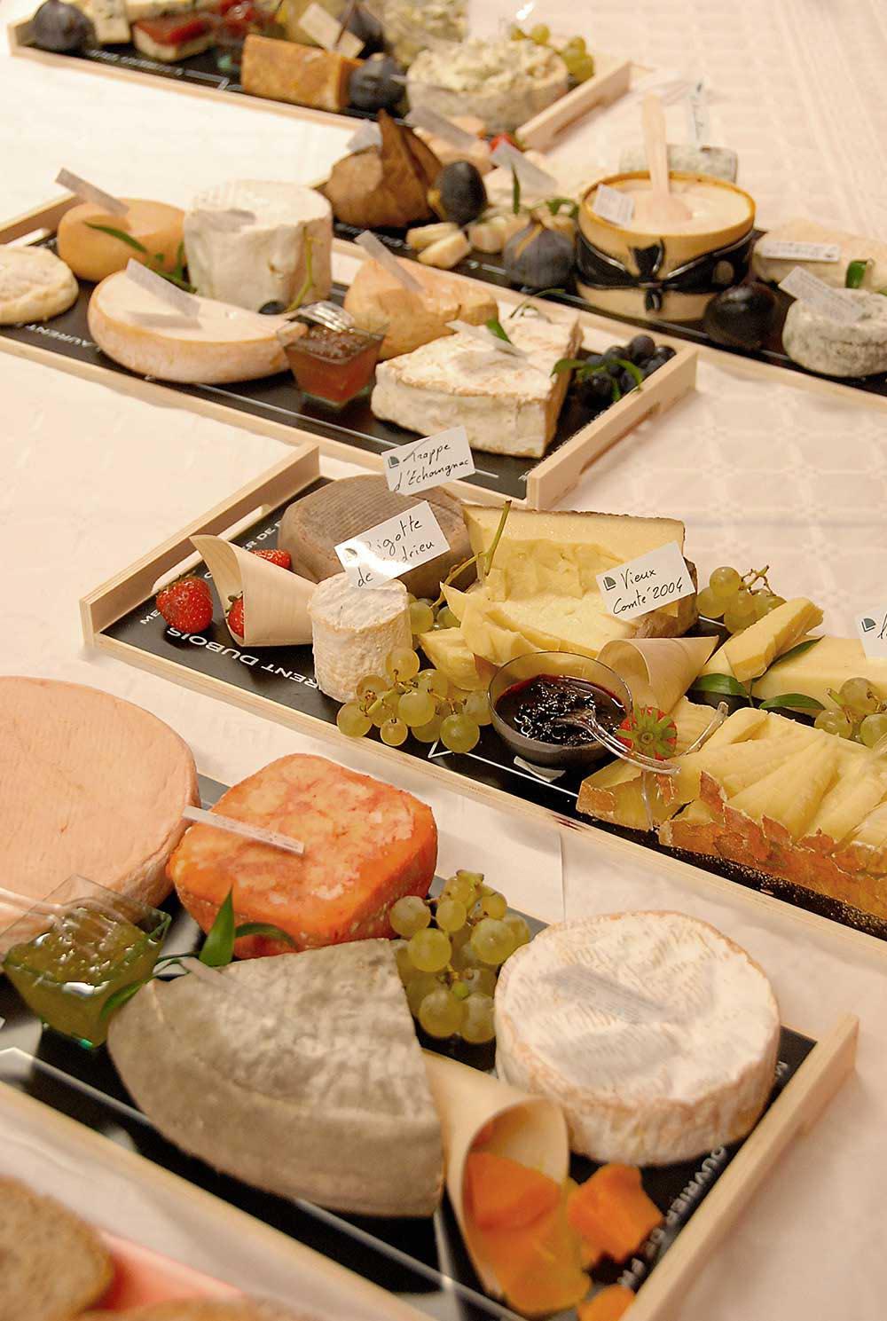 Plateau de fromages lors de la reception de mariage