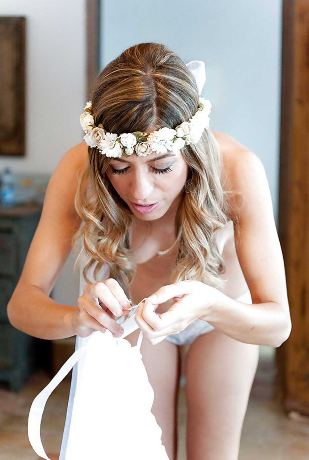 Detail of bride getting ready for the wedding